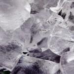 家庭でできる小学6年生の自由研究!氷の不思議実験